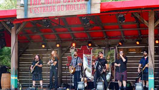 VIDEO - Bodh'aktan perform at Epcot's Canada Pavilion