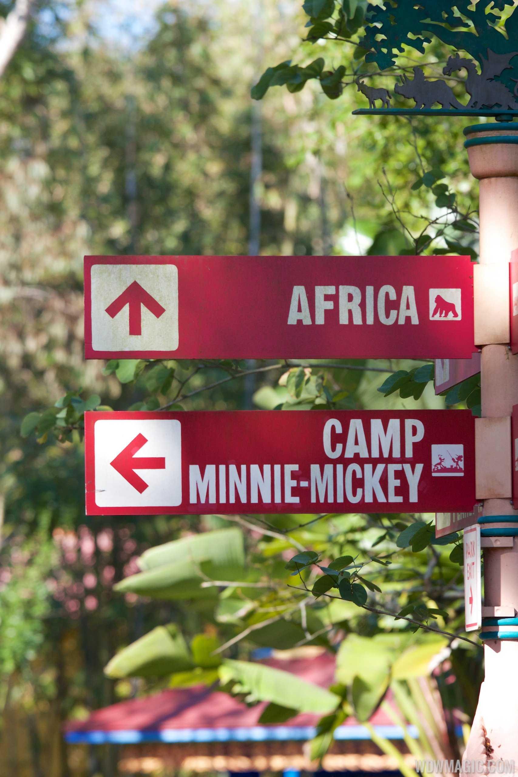 Camp Minnie-Mickey - Signage