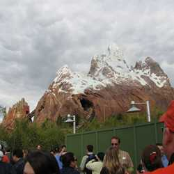 Expedition Everest queue area preview