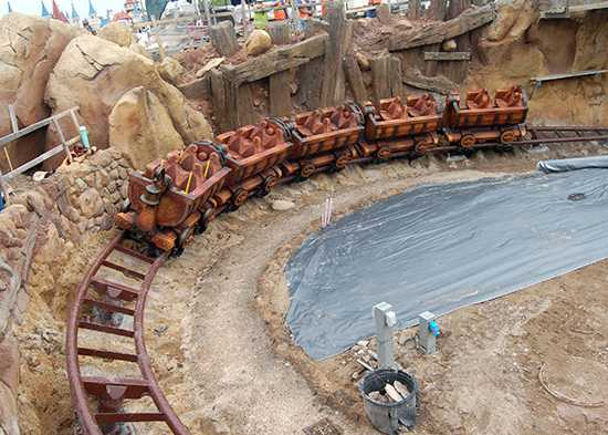 Seven Dwarfs Mine Train completes first drop<br />