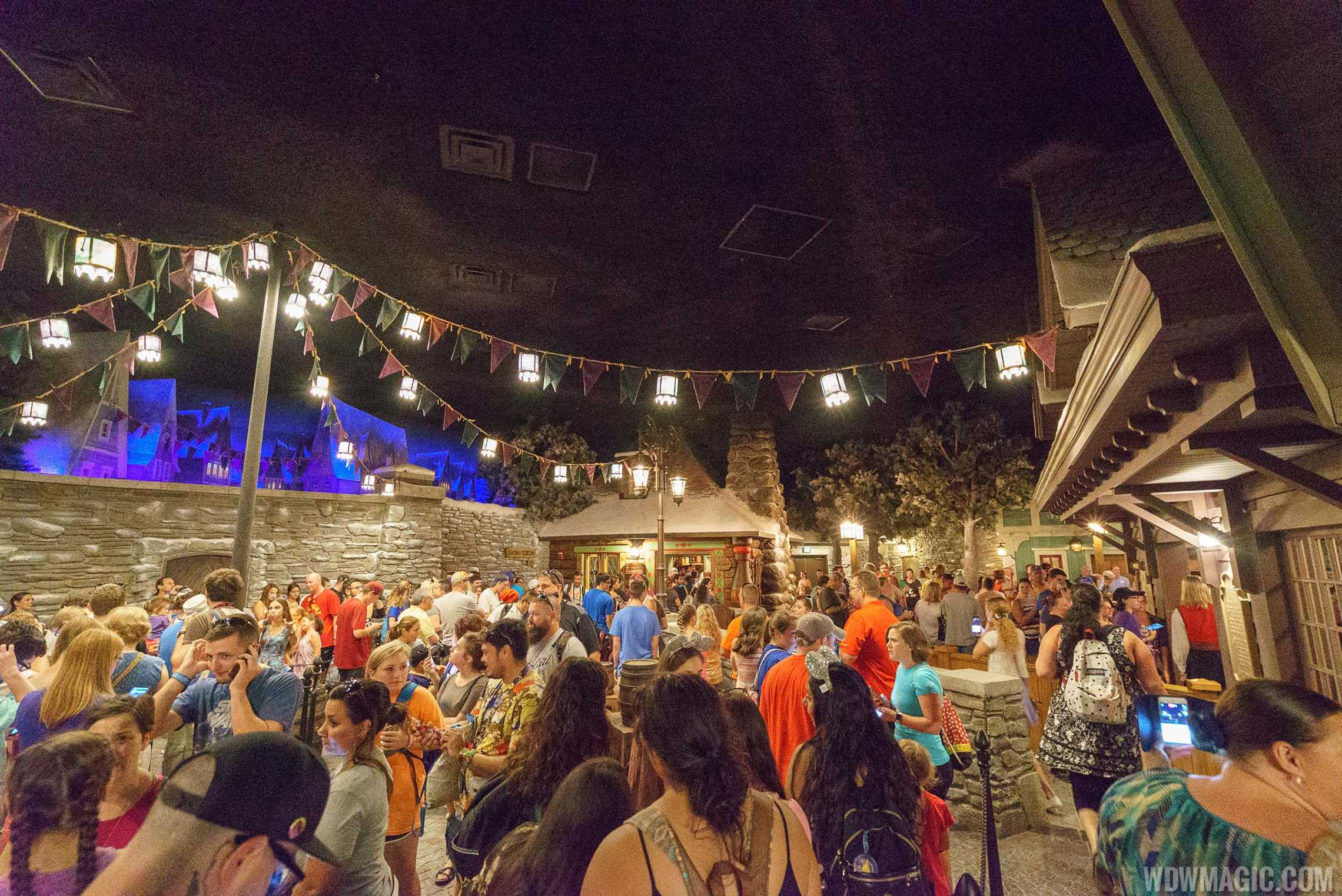 Inside queue at Frozen Ever After