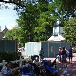 FASTPASS installation at the Haunted Mansion