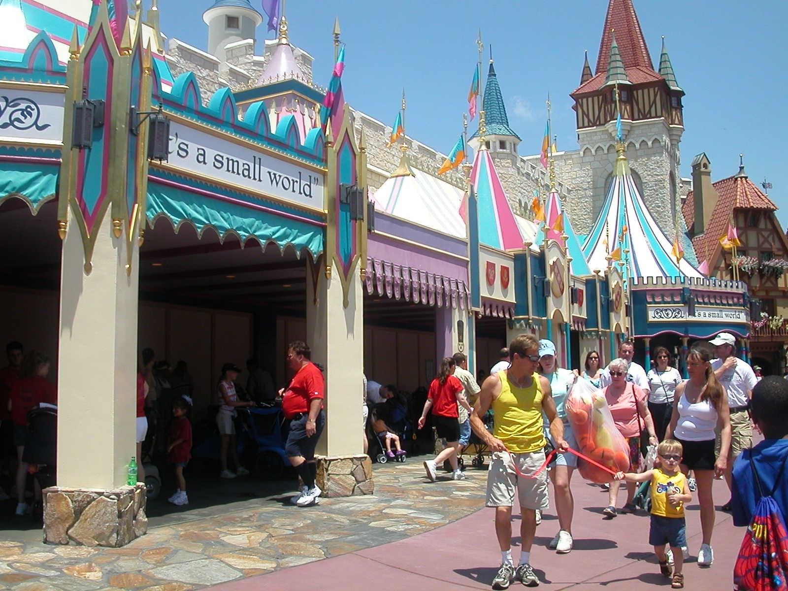 Small World closed for refurbishment
