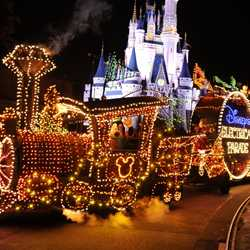 Main Street Electrical Parade cast preview