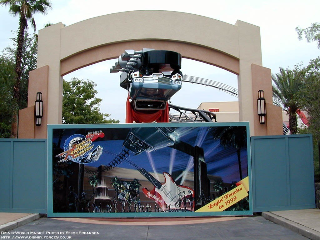 Rock n Roller Coaster close to opening