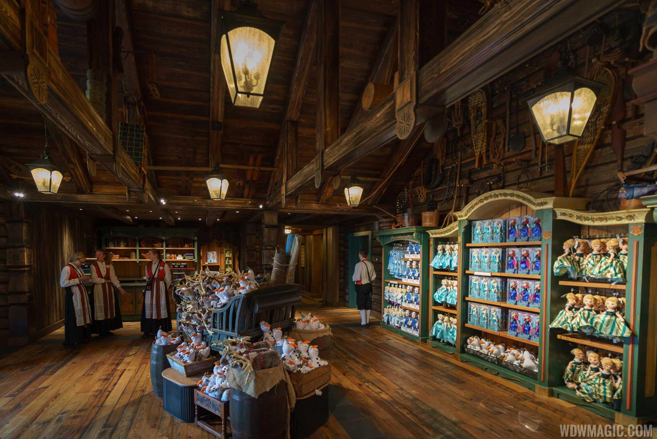 The Wandering Reindeer interior