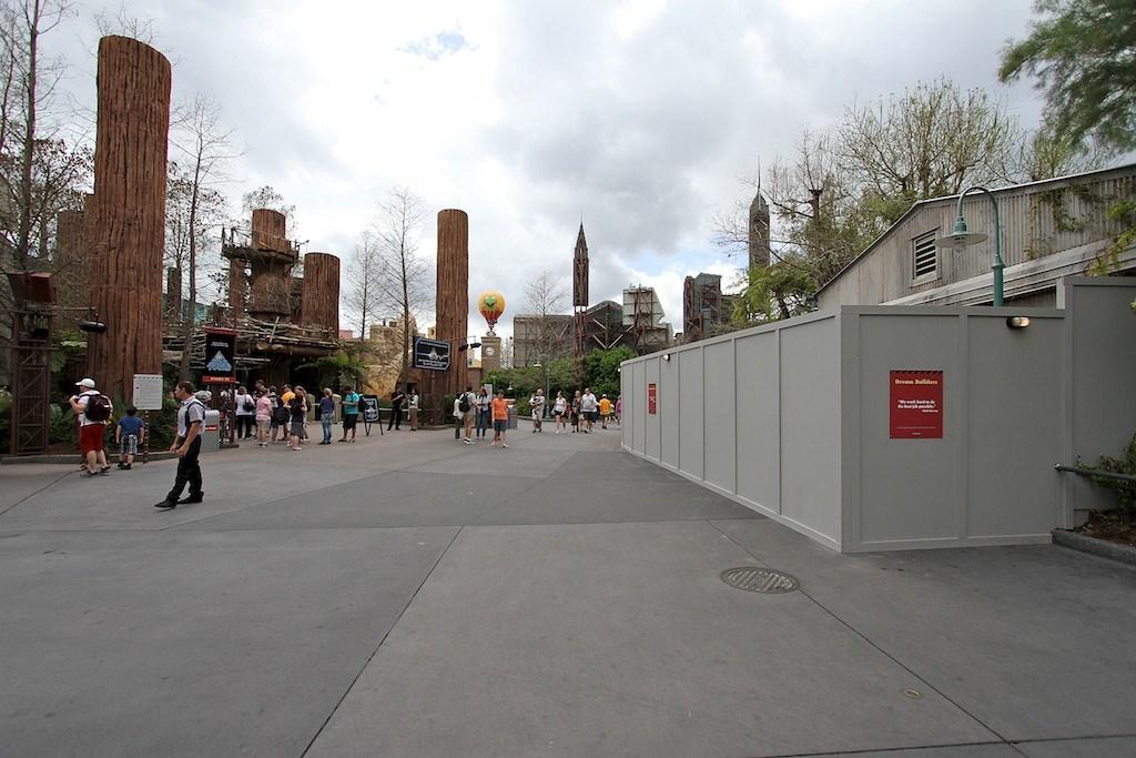 Star Tours speeder-bike area walls