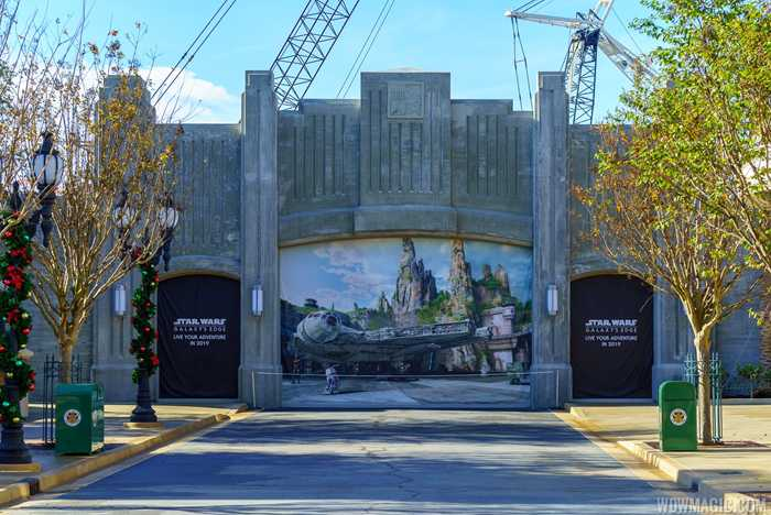 Grand Avenue entrance to Star Wars Galaxy Edge