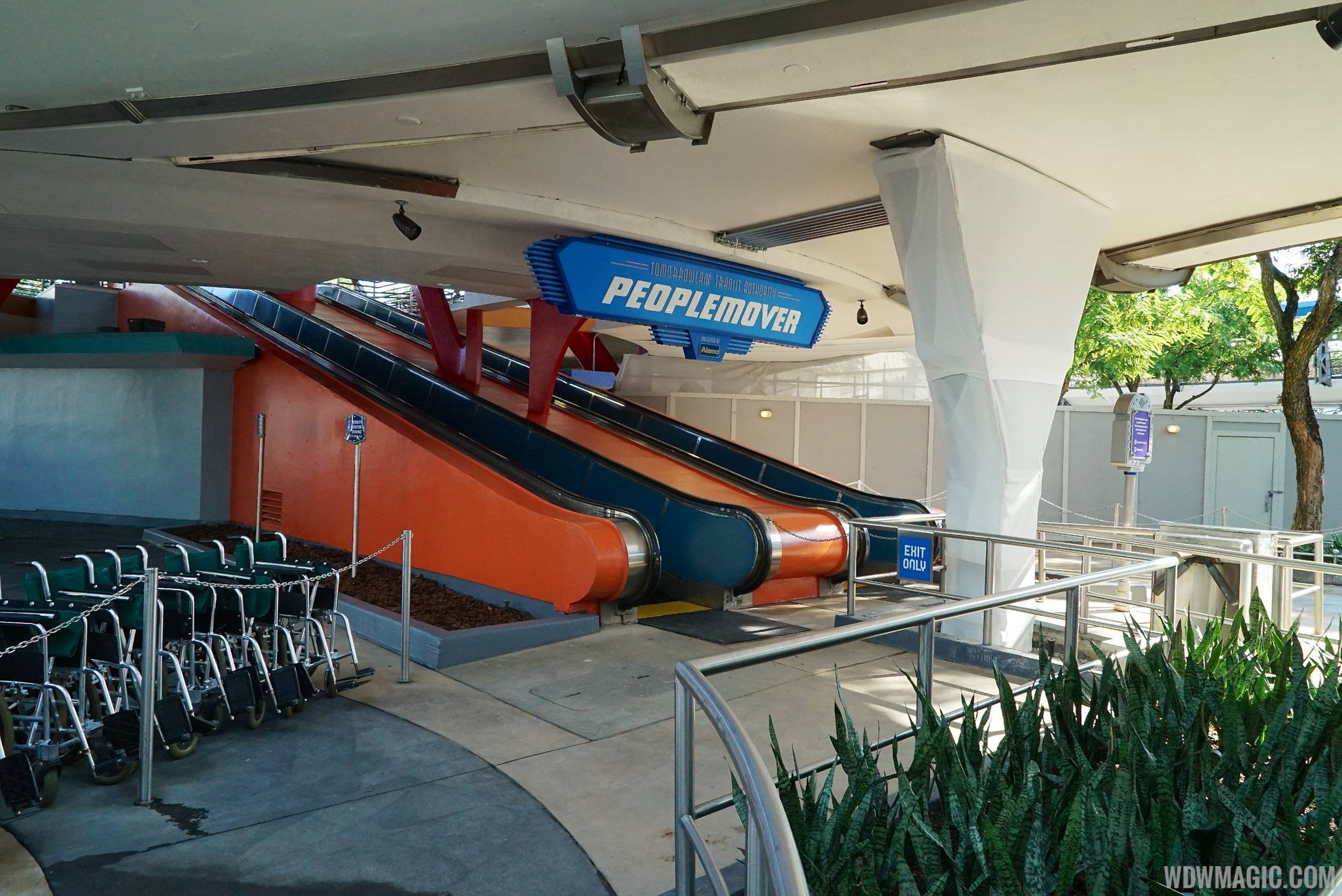Tomorrowland Transit Authority PeopleMover new color scheme