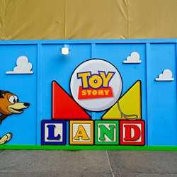 Toy Story Land entrance