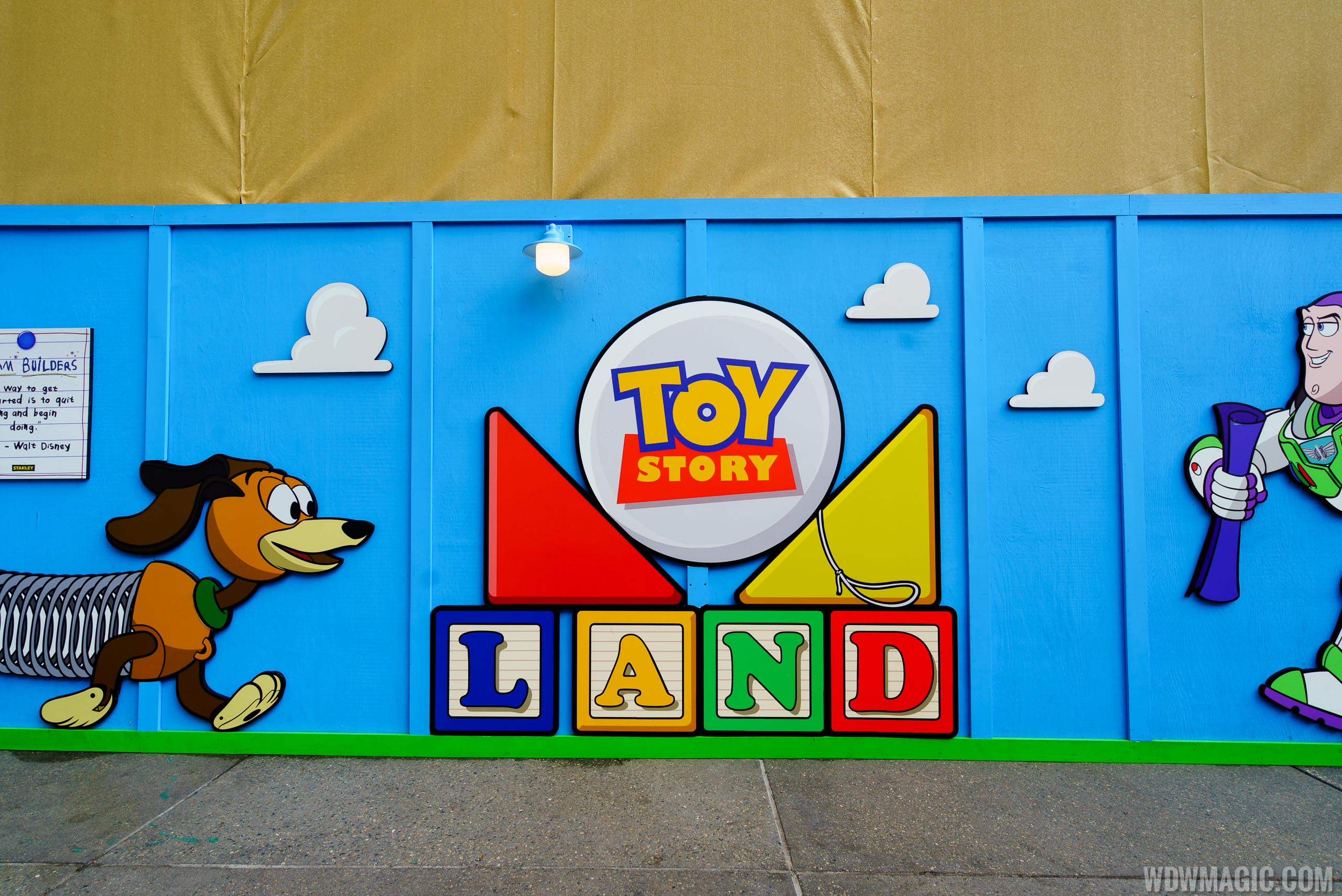 Toy Story Land Entrance Part 76