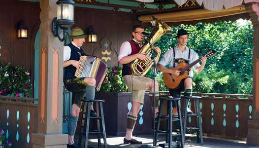 VIDEO - Wies N Buam bring traditional Bavarian music to the Germany Pavilion at Epcot