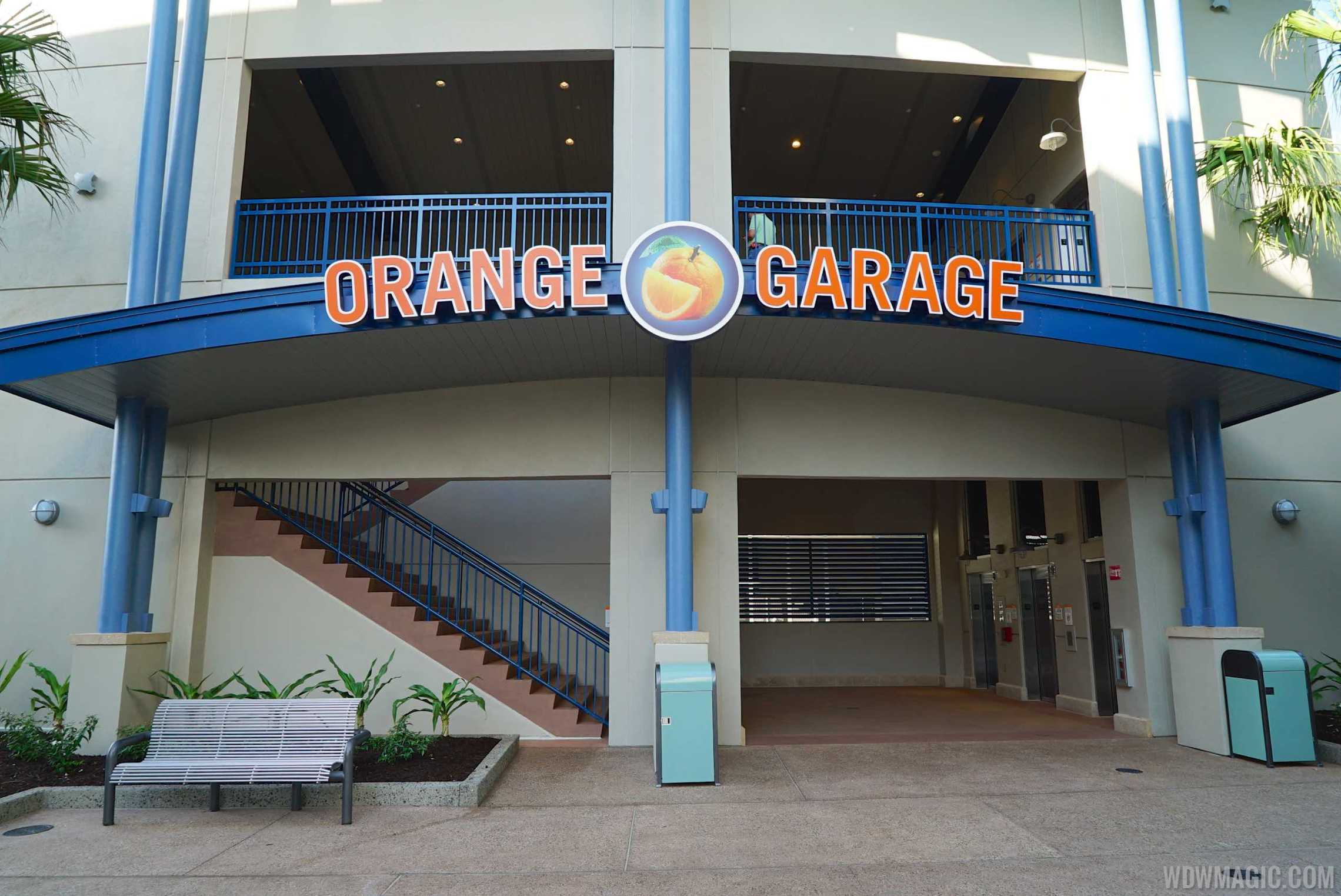 Disney Springs Orange Parking Garage east connector - Ground level entrance