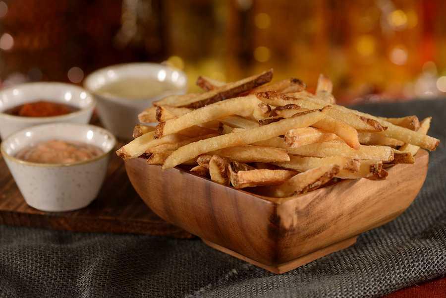D-Luxe Burger fries