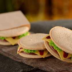 D-Luxe Burger food