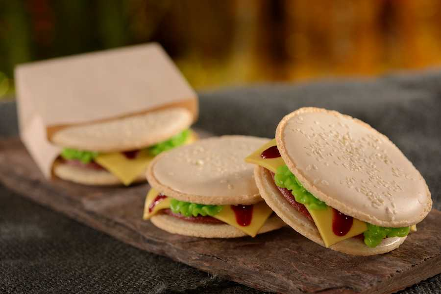 D-Luxe Burger Red Valvet Burger Macaron