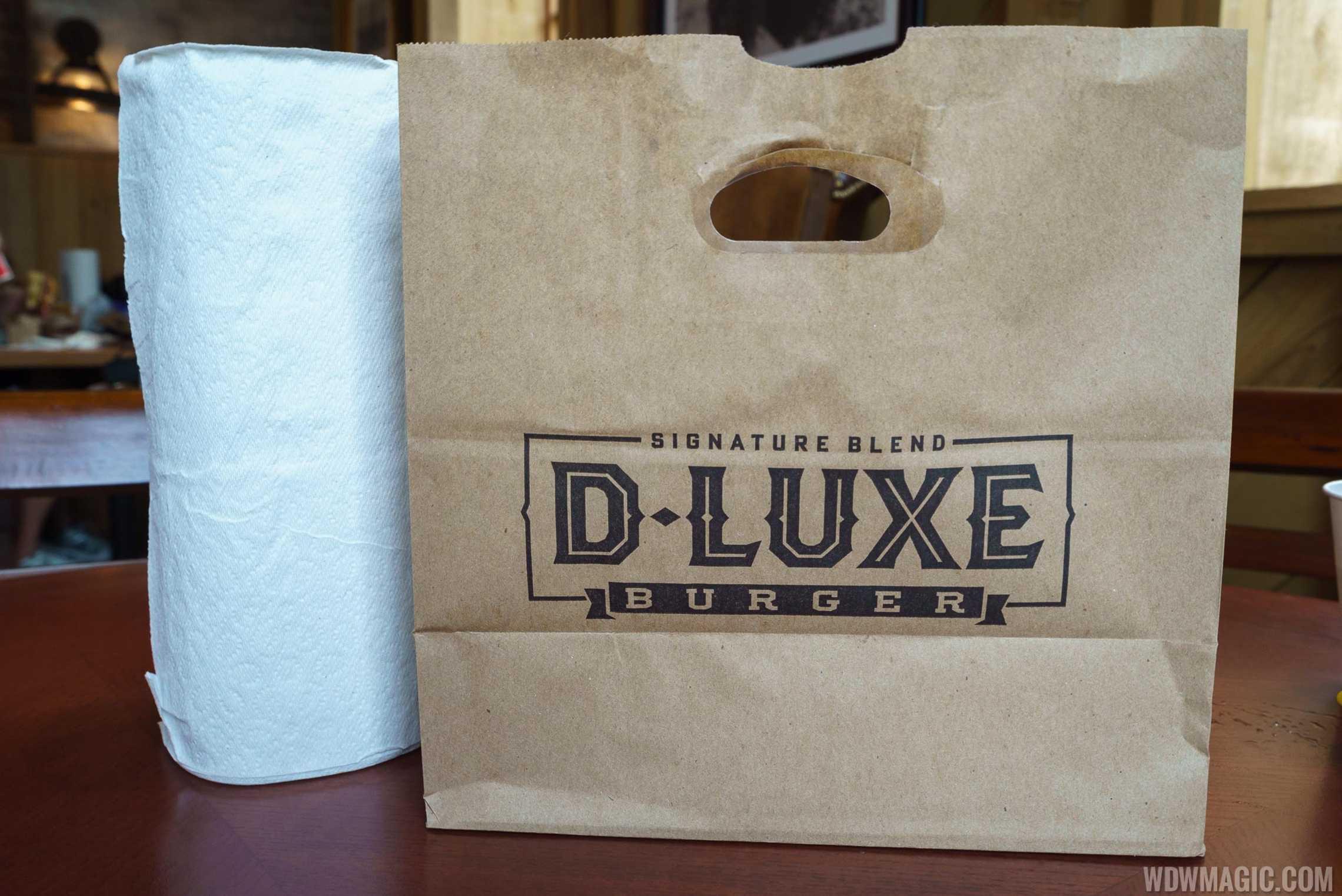 D-Luxe Burger packaging