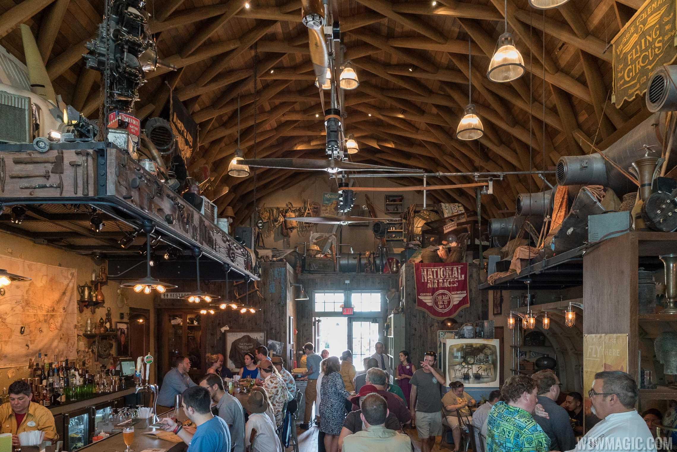 Jock Lindsey's Hangar Bar - Interior