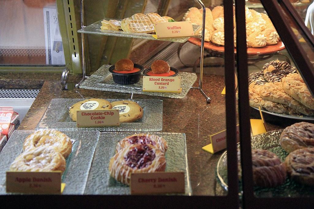 Kringla Bakeri food
