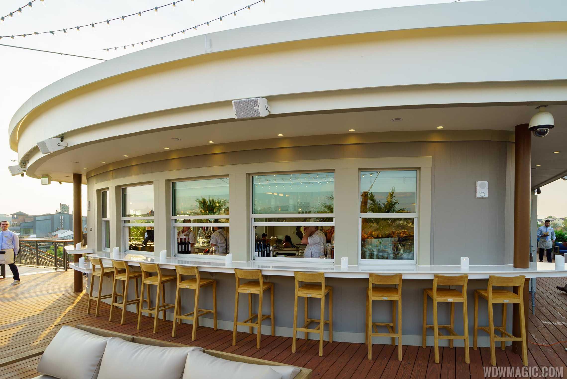 Paddlefish - Top deck bar