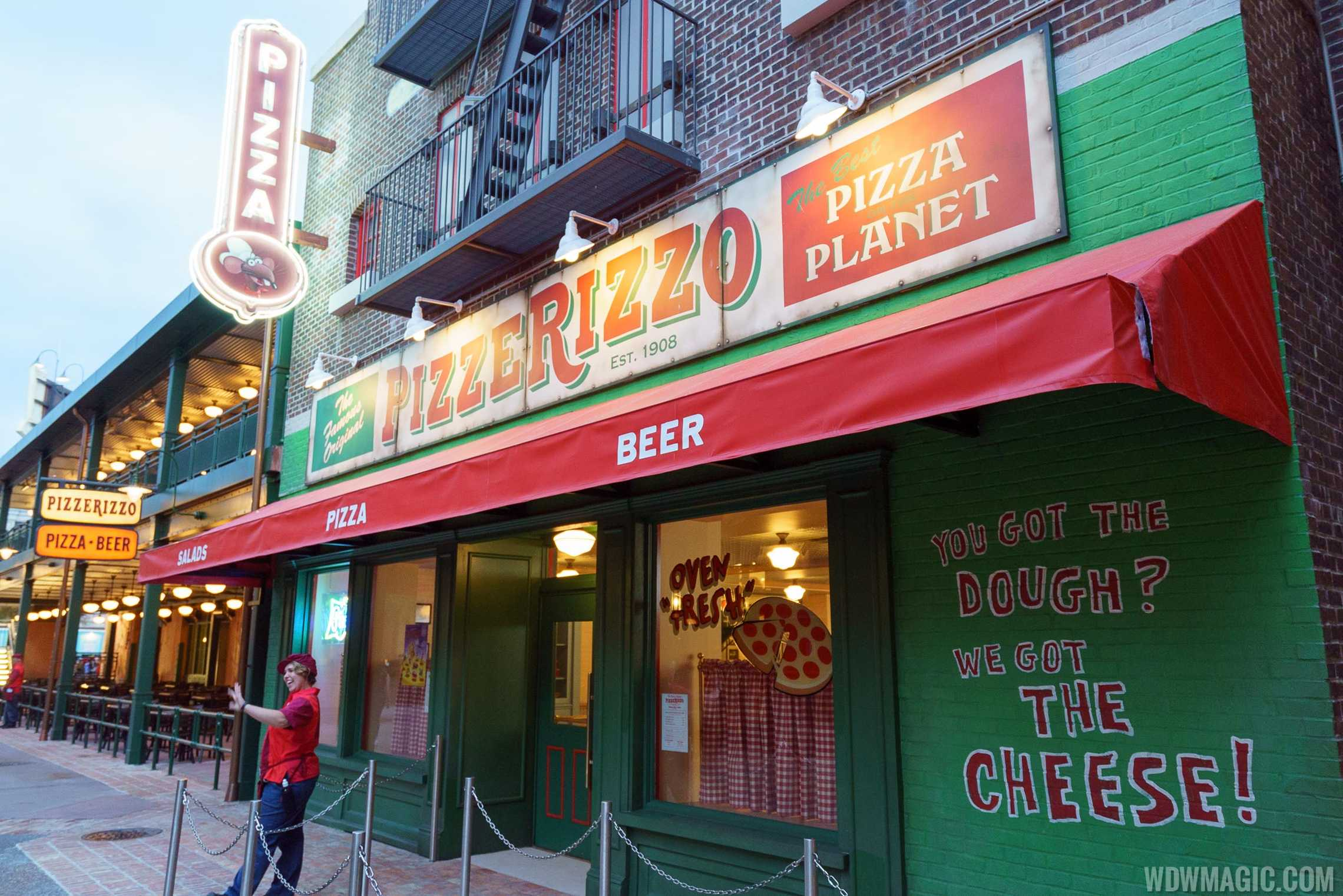 PizzeRizzo completed exterior