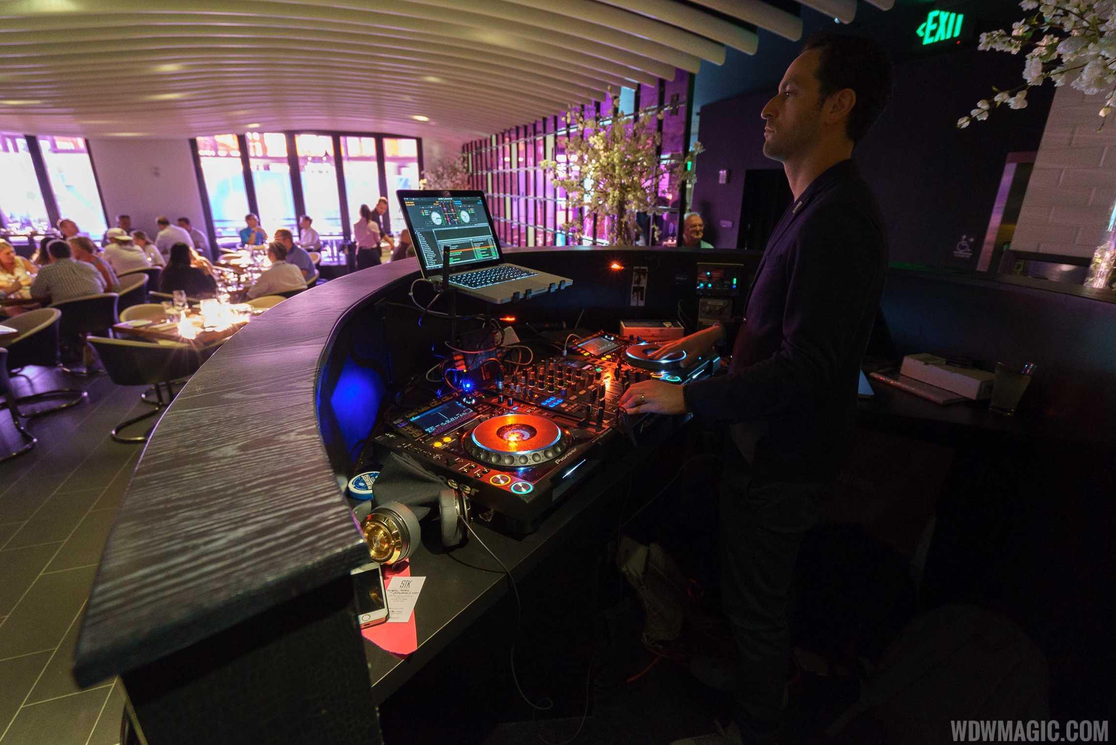 STK Orlando - Live DJ