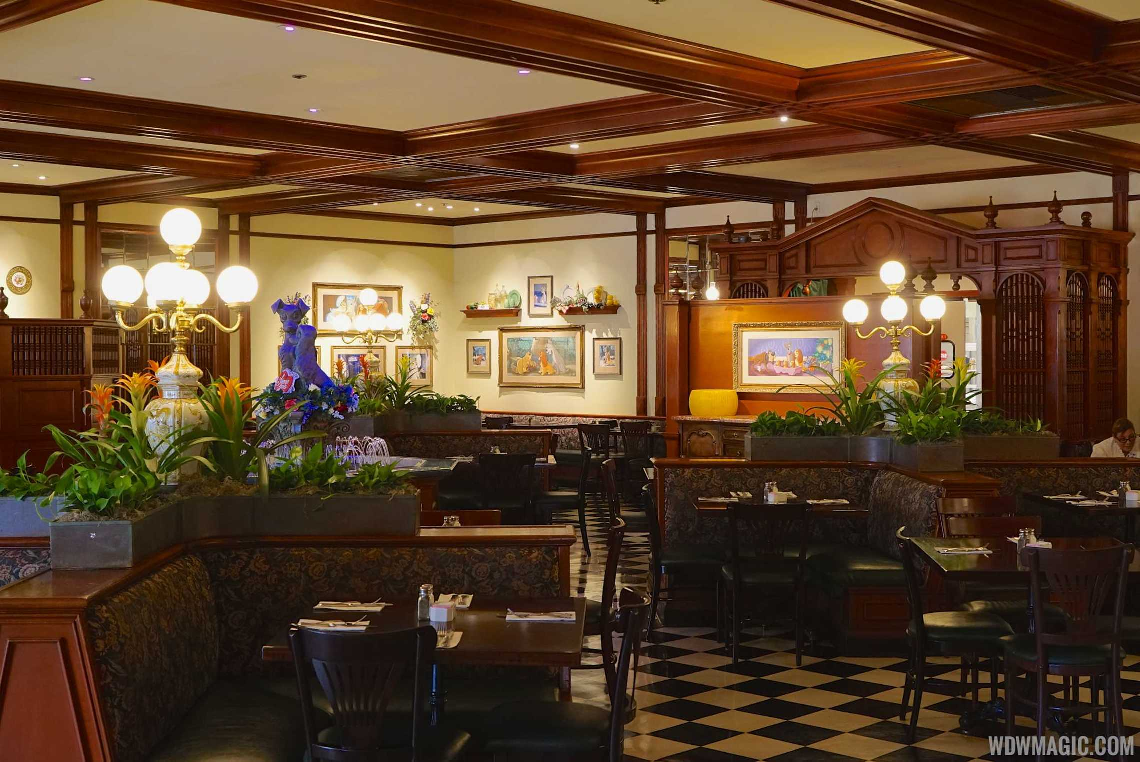 Tony's Town Square Restaurant dining room