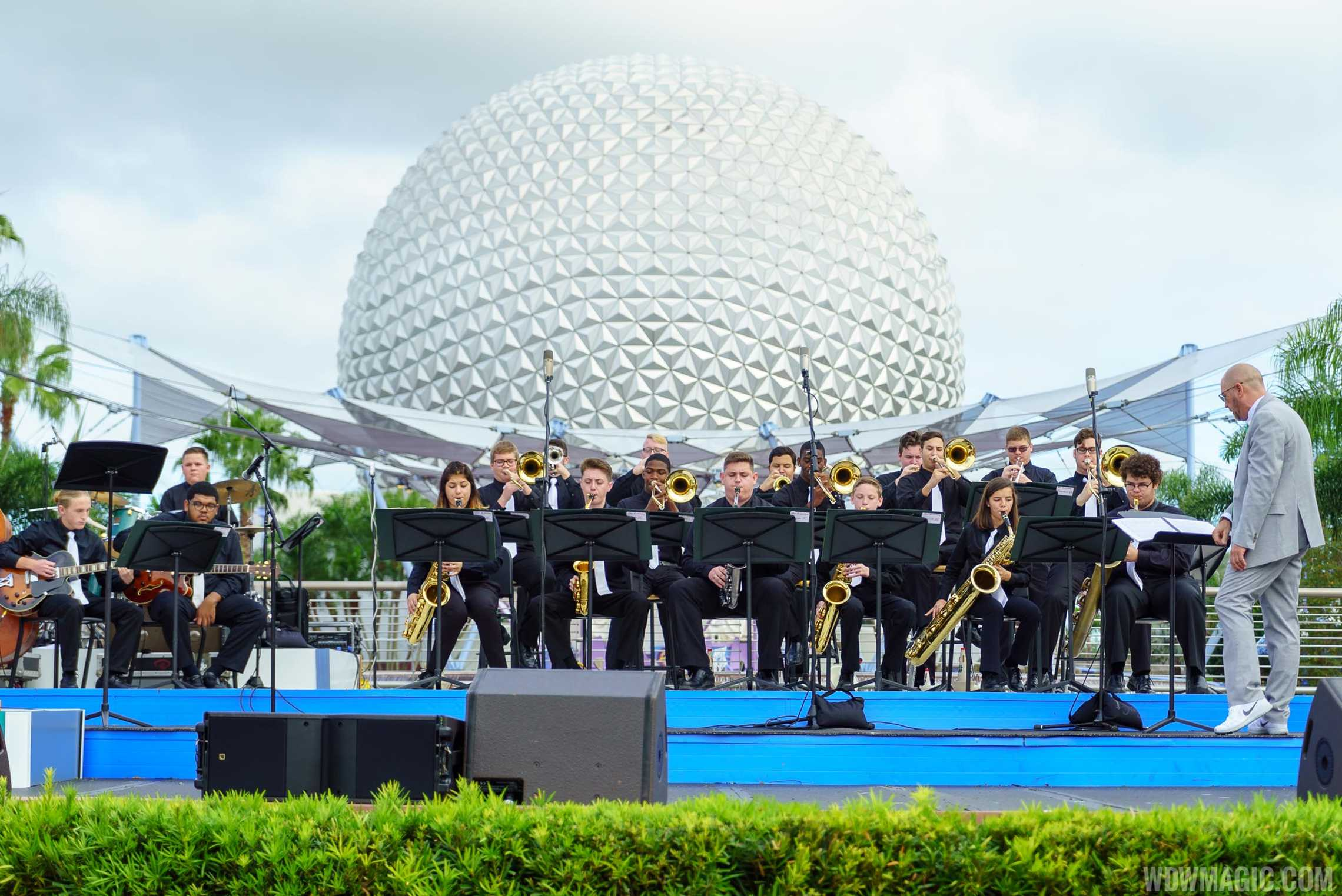 Epcot Festival of the Arts - Live band