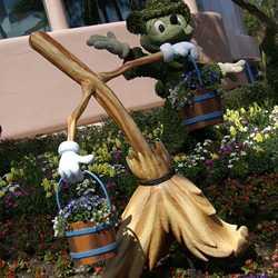 2009 International Flower and Garden Festival preparations