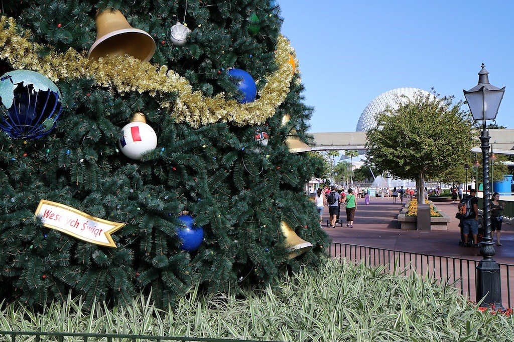 Epcot's 2011 Christmas Tree