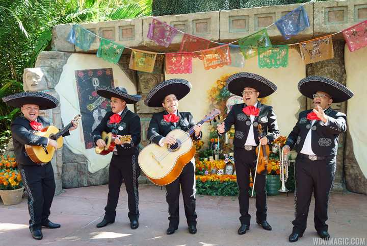 VIDEO - 'Coco' El Mariachi Coco de Santa Cecilia show joins Epcot's Festival of the Holidays