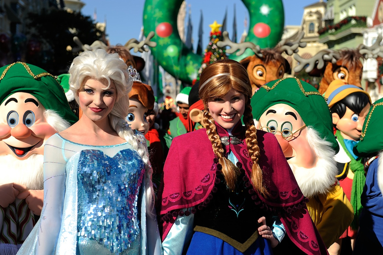 Disney Parks Christmas Day Parade taping - Photo 5 of 6