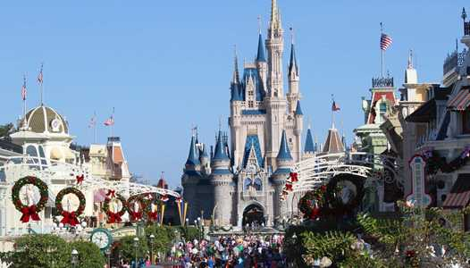 Last few days to catch Disney World's holiday decorations