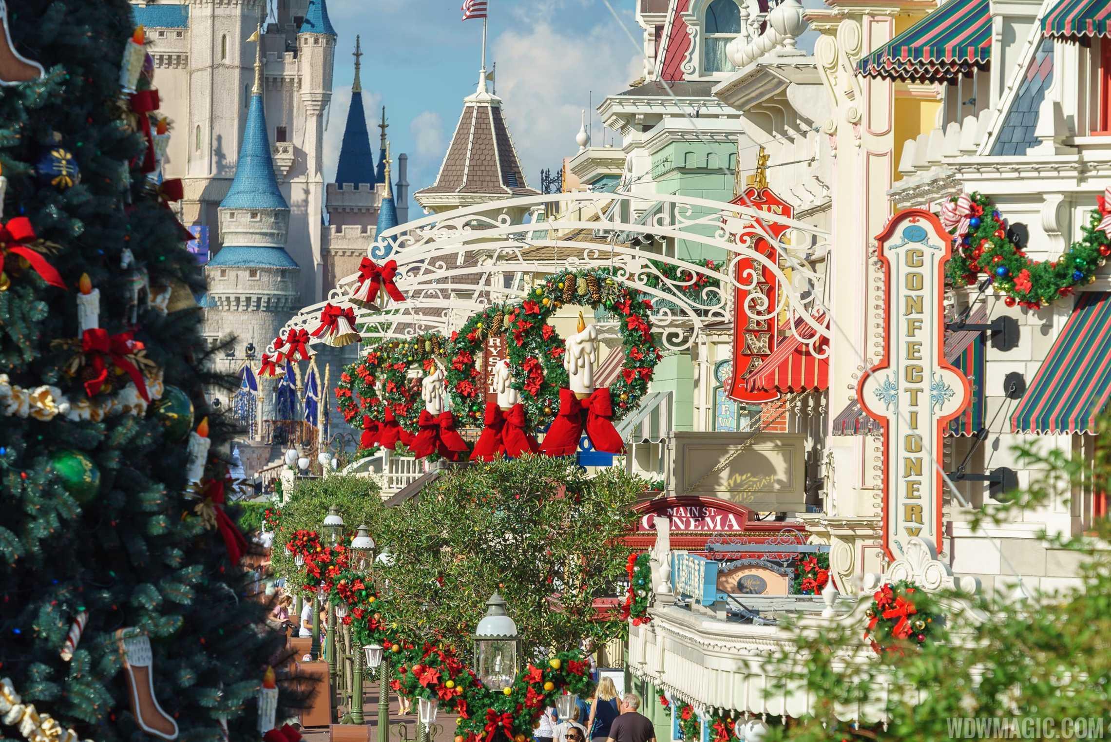Photos The Magic Kingdom 39 S 2017 Christmas Holiday