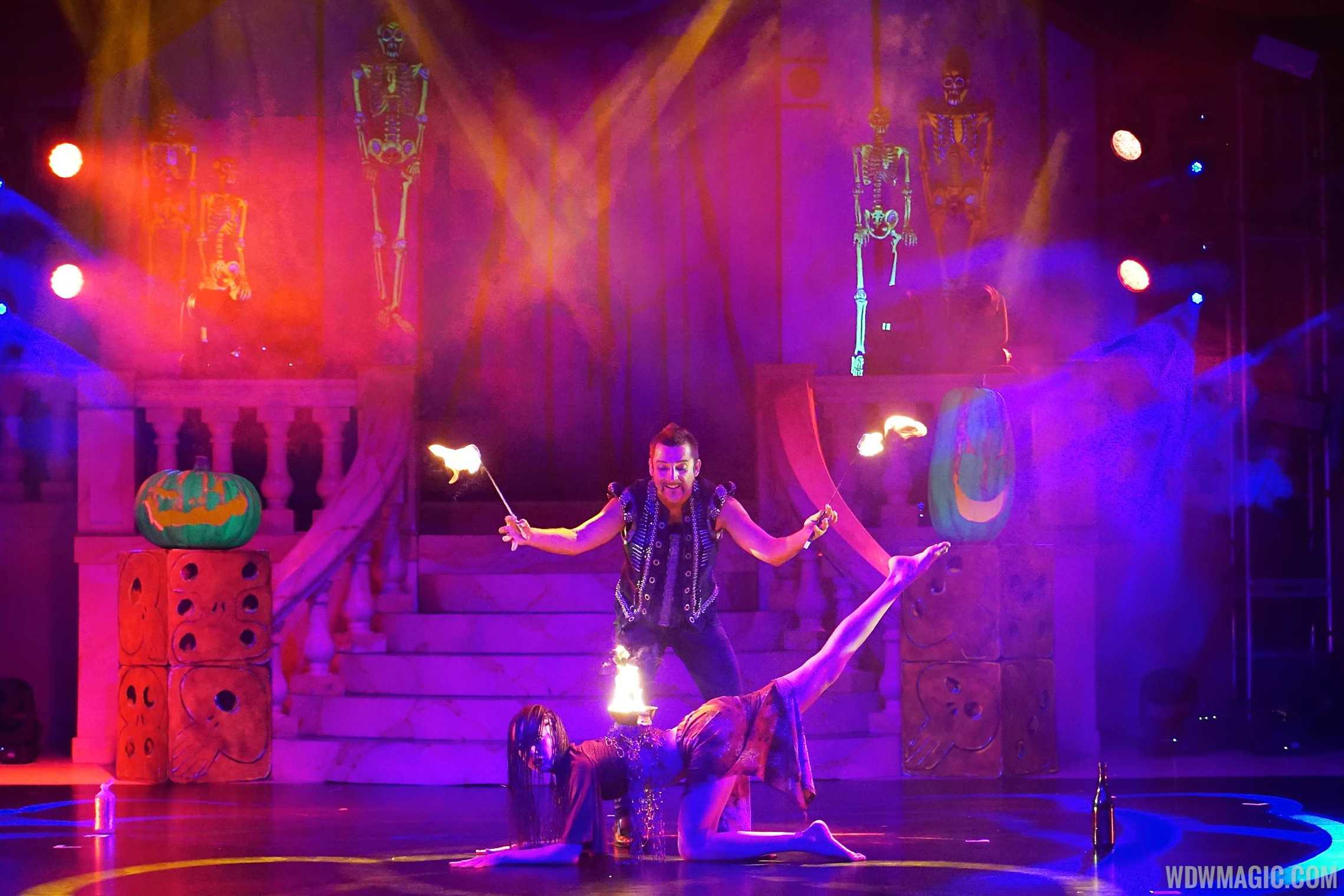 Villains Unleashed - Oogie Boogie's Freaky Funhouse - Fire Act