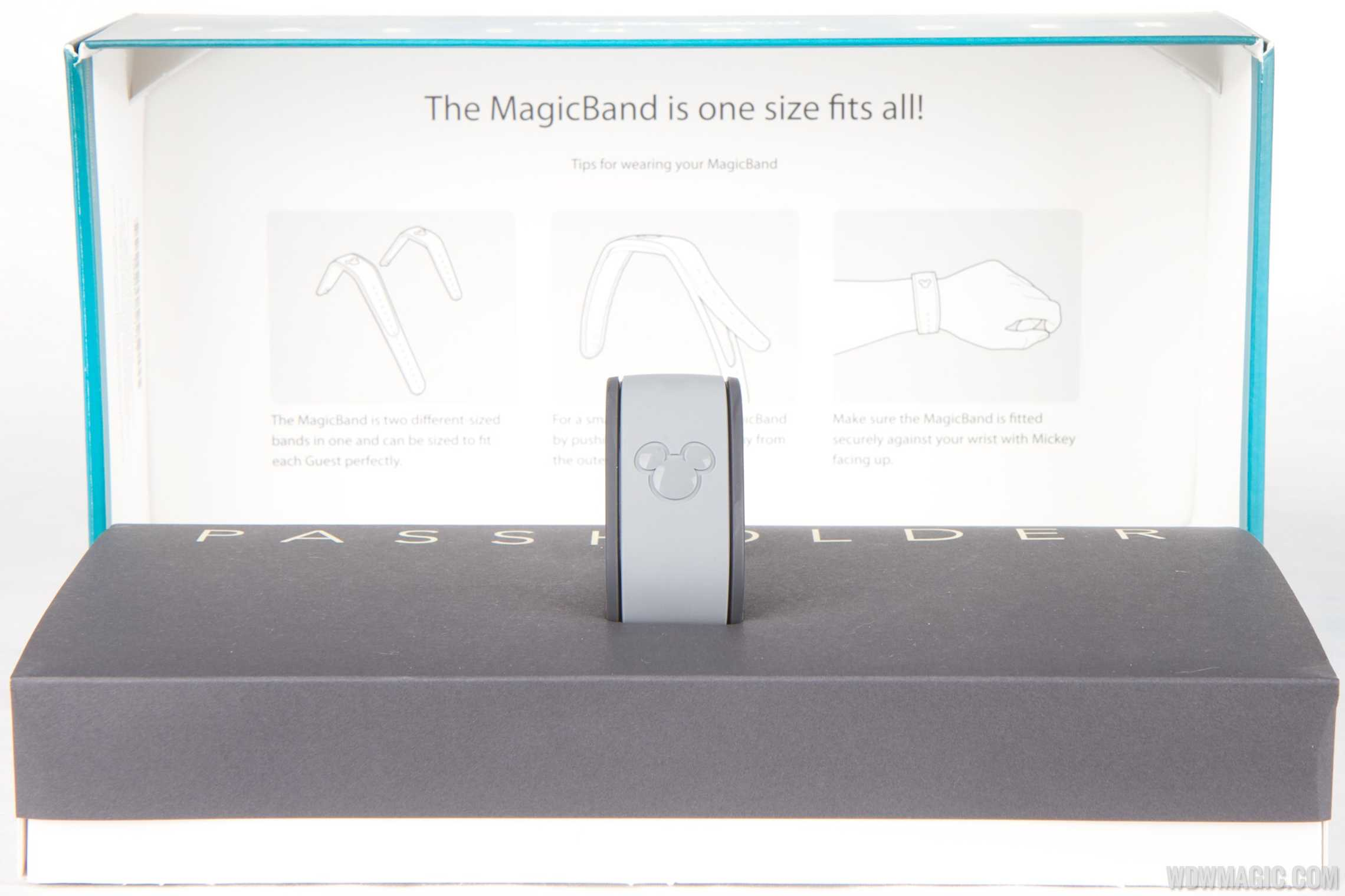 Passholder MagicBand inside the box