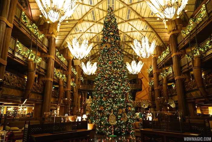 2014 Animal Kingdom Lodge holiday decorations