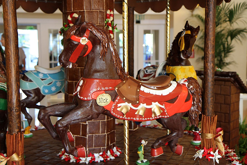 Beach Club Resort holiday decorations 2009