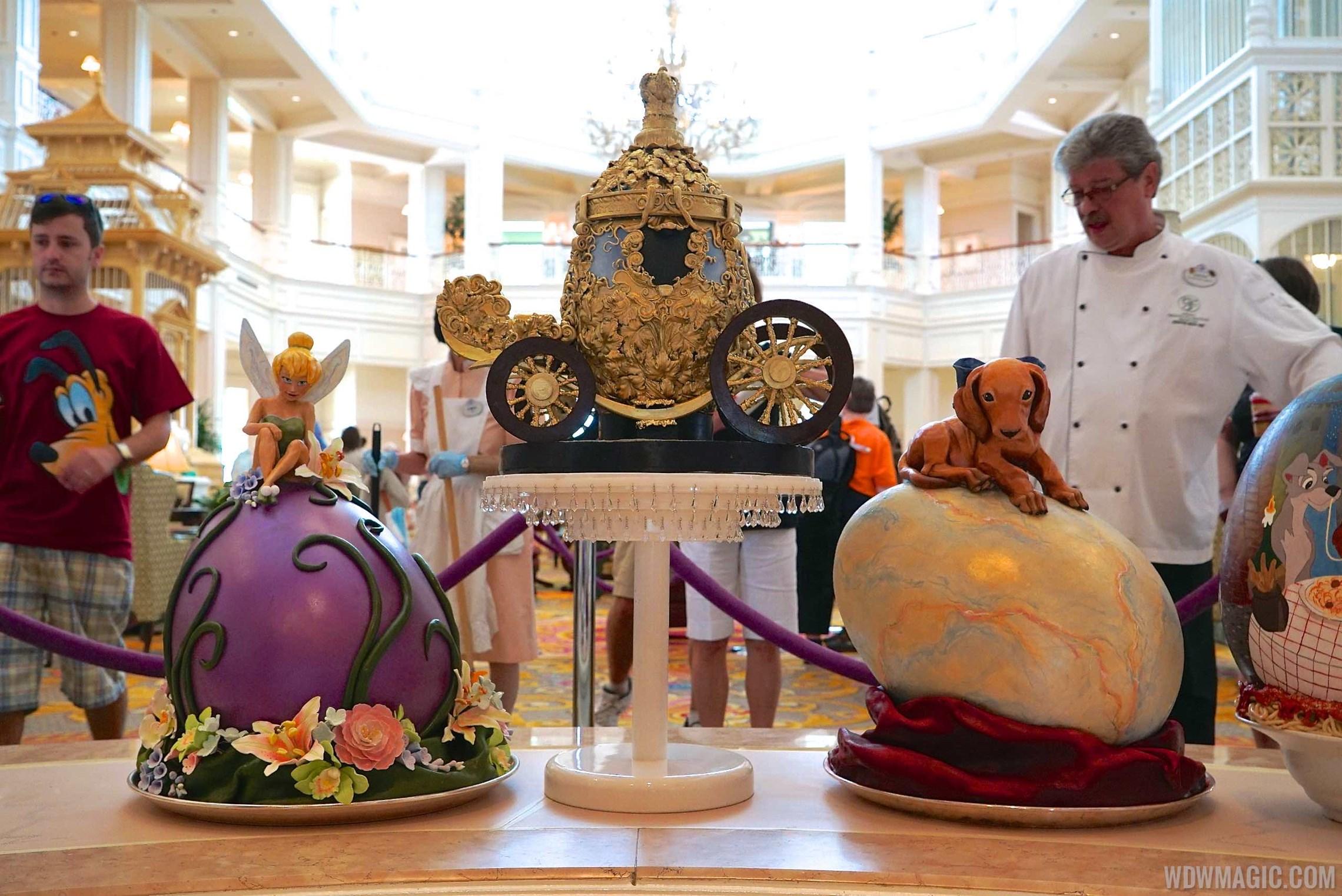 2015 Grand Floridian Resort Easter Egg displays