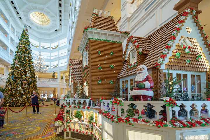 PHOTOS - Disney's Grand Floridian Resort 2017 Gingerbread House