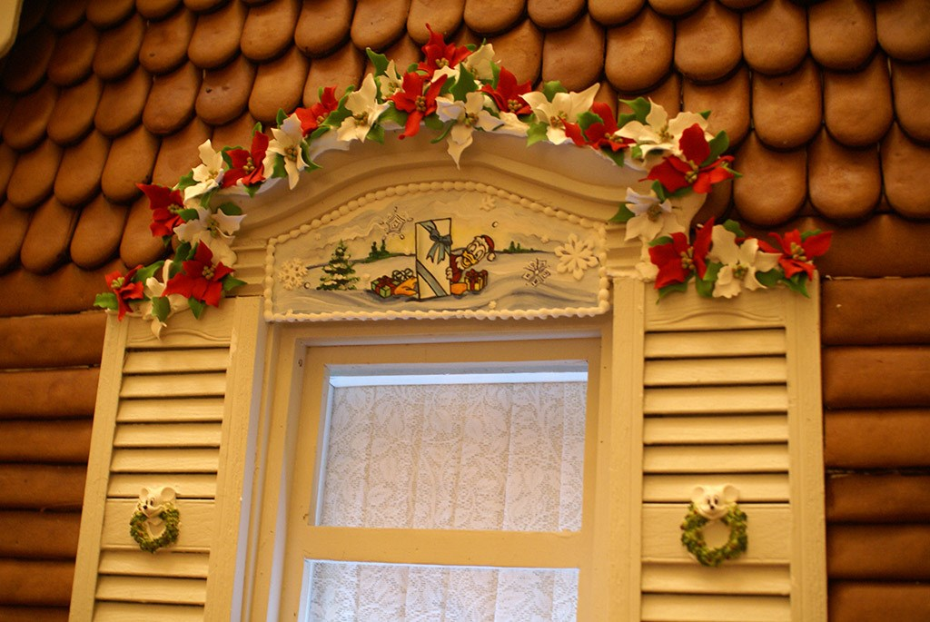 Grand Floridian holiday decorations 2008