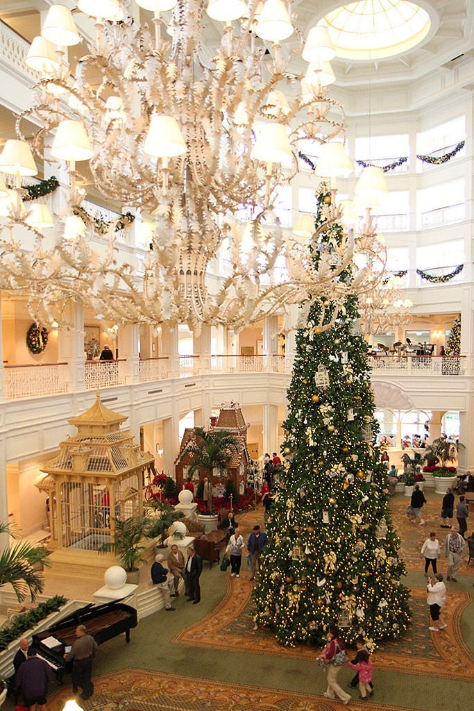 Grand Floridian holiday decorations 2009