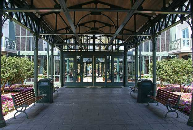 Disney's Port Orleans French Quarter lobby area