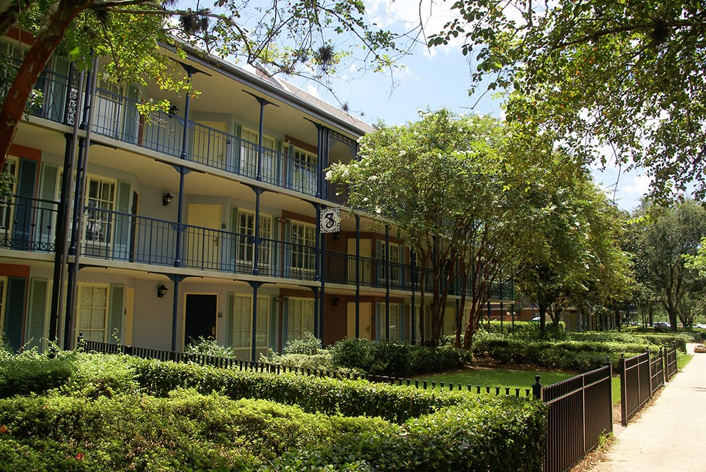 Disney's Port Orleans French Quarter grounds and buildings