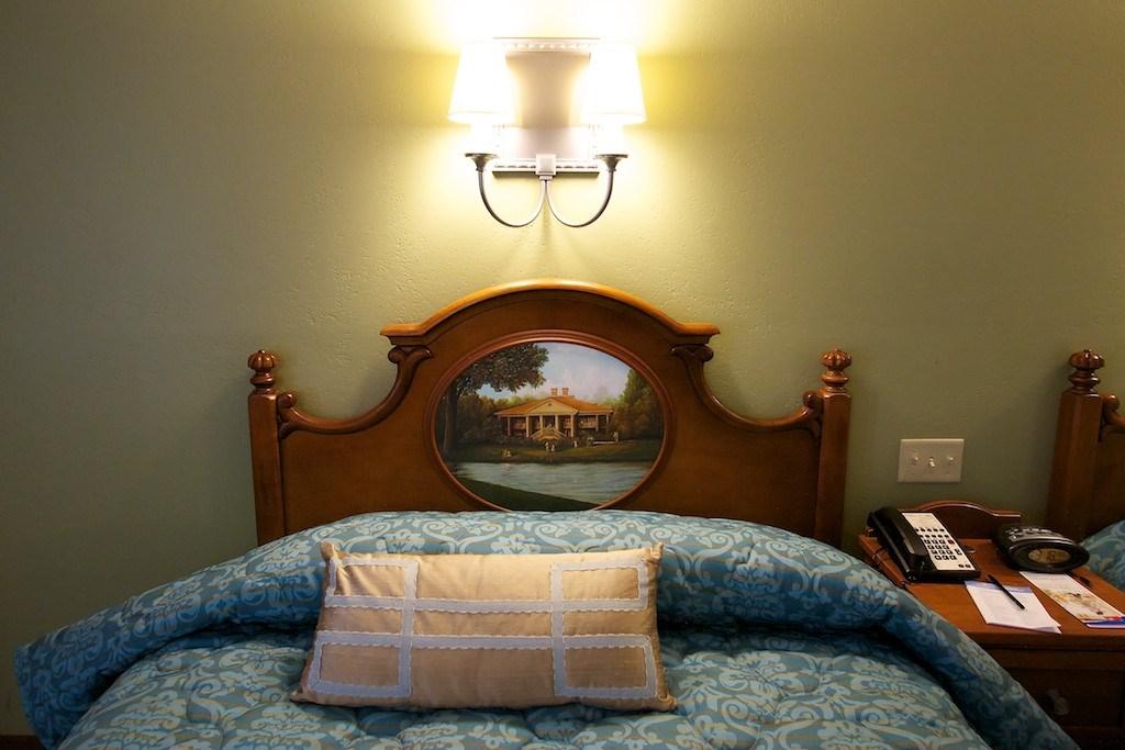 Disney's Port Orleans Riverside - 2012 refurbished guest room in Magnolia Terrace