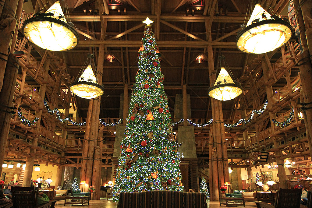 Wilderness Lodge Resort holiday decorations 2009 - Photo 1 of 14
